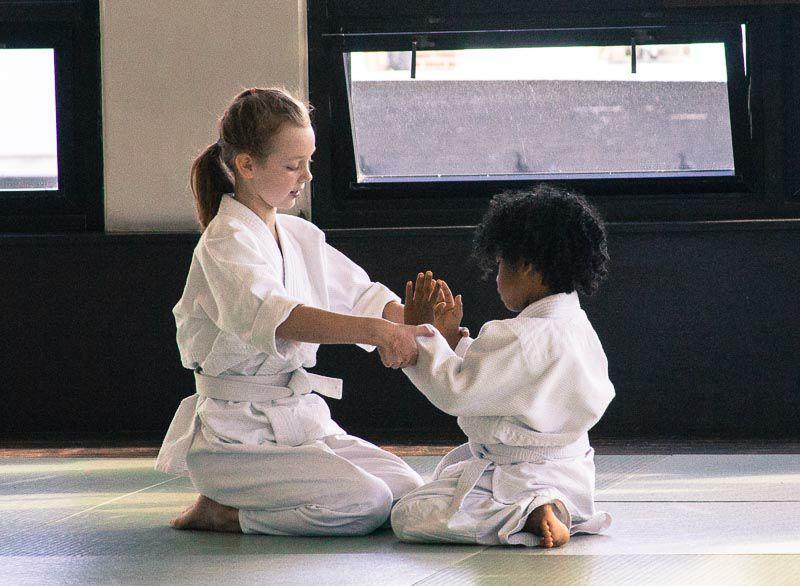 trẻ em tập võ