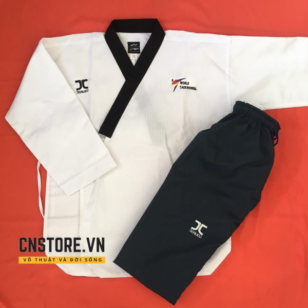 vo phuc quyen taekwondo quan xanh den 2